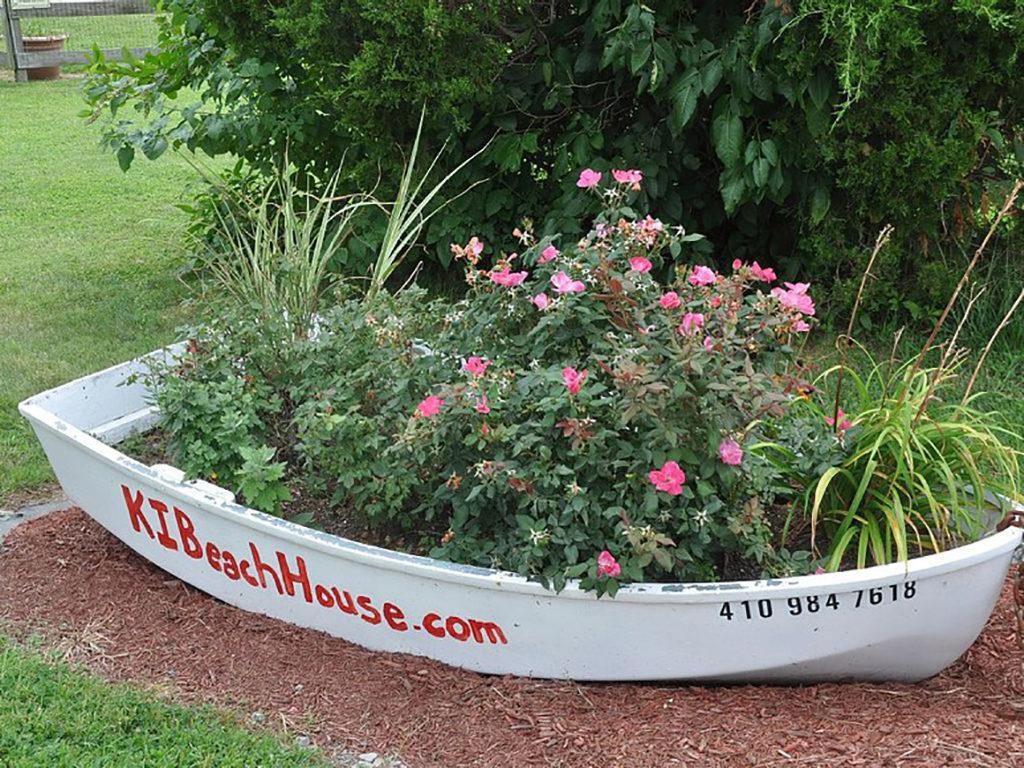 774_beachhouseboat